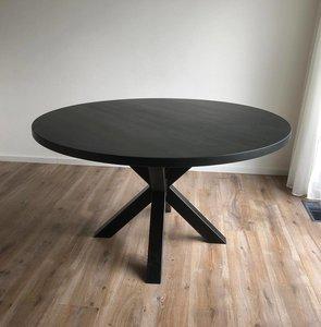 Eiken tafel Gstaad rond 3D matrixpoot Black